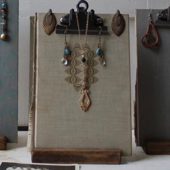 One Of A Kind Jewelry Display